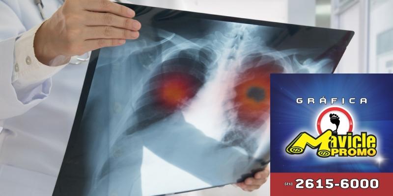Associação entre farmacêuticas aumenta o alcance de seu exame para pacientes com câncer de pulmão   Guia da Farmácia   Imã de geladeira e Gráfica Mavicle Promo