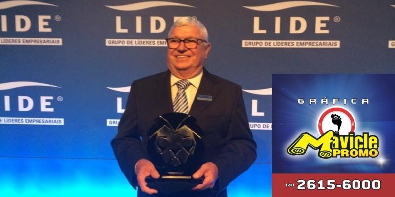 EMS recebe o Prêmio Líderes do Brasil   Guia da Farmácia   Imã de geladeira e Gráfica Mavicle Promo