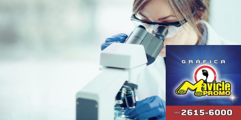 Takeda: vacina contra a dengue encontra se com o teste de segurança   Imã de geladeira e Gráfica Mavicle Promo