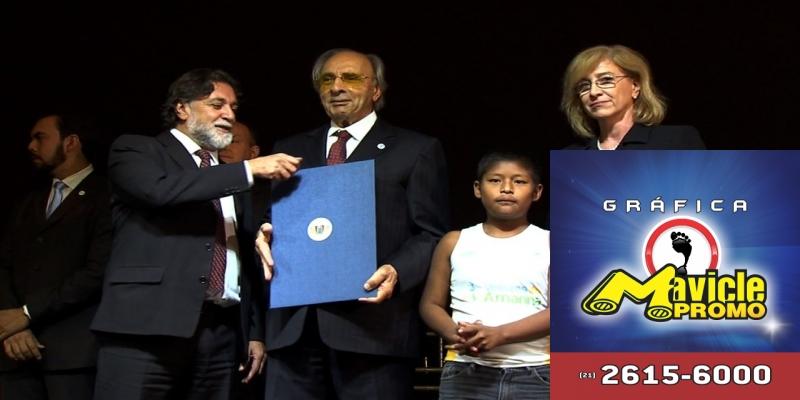 Ueze Elias Zahran é homenageado pela ONU — Foto: Reprodução/ TVCA