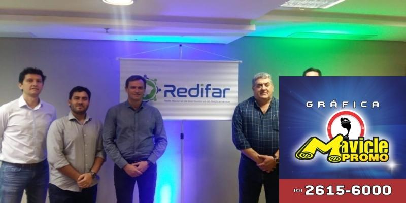 Redifar: a primeira rede nacional de distribuição de medicamentos   Imã de geladeira e Gráfica Mavicle Promo