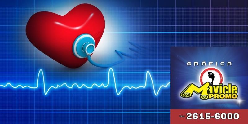 Atendimento gratuito para as pessoas com doenças vasculares   Imã de geladeira e Gráfica Mavicle Promo