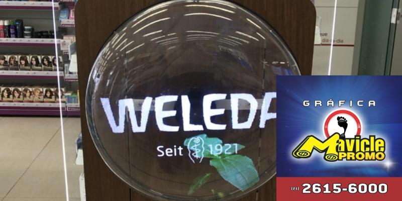 Weleda desenvolve display holográfico para drogarias   Imã de geladeira e Gráfica Mavicle Promo