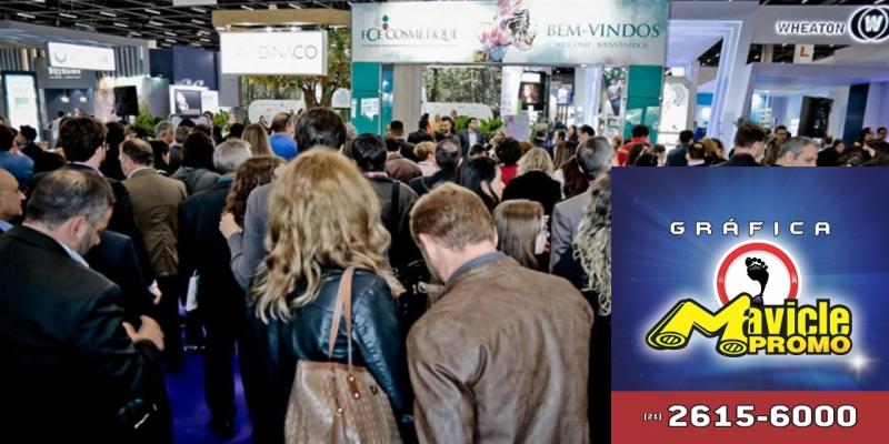 FCE Pharma e Cosmetique: veja o destaque do segundo dia de eventos   Imã de geladeira e Gráfica Mavicle Promo
